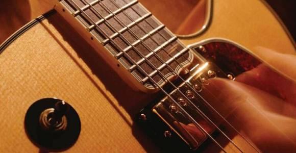 the best video guitar lessons online 2017. Black Bedroom Furniture Sets. Home Design Ideas